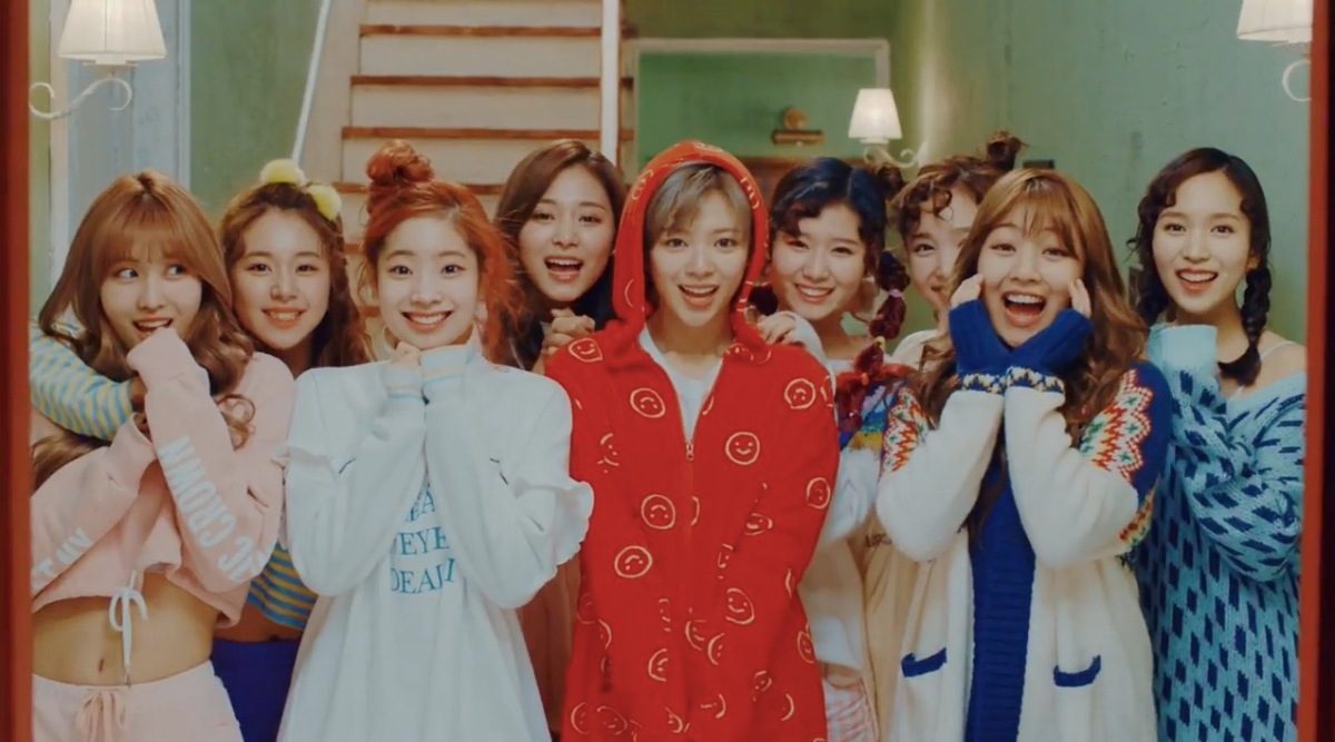 Source: https://0.soompi.io/wp-content/uploads/2017/02/16070312/twice-knock-knock-mv-teaser.jpg